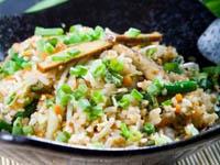 Рис с яйцом по‑китайски картинка